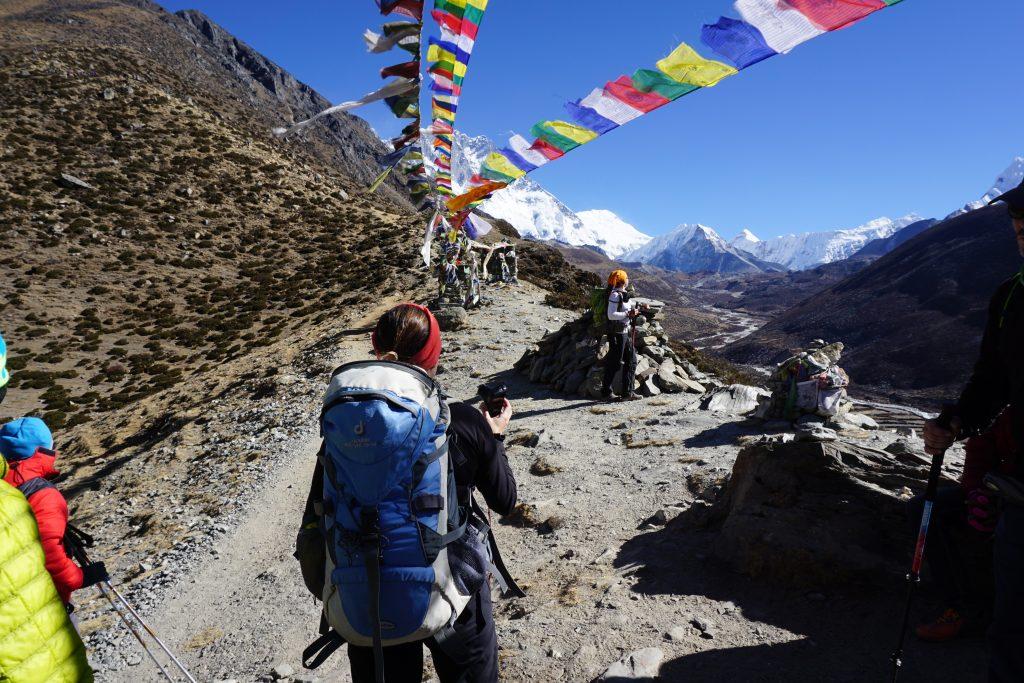 Subiendo a Dingboche view