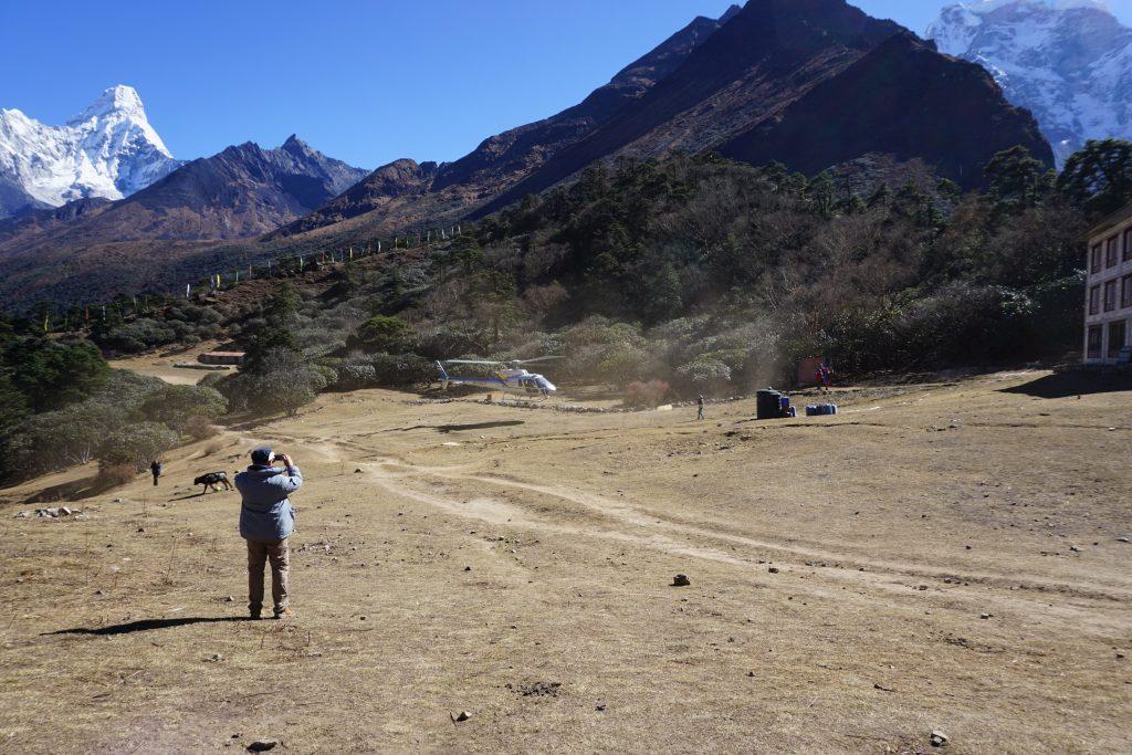 Helicóptero en Tengboche