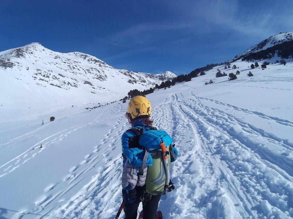 Subiendo por el largo valle