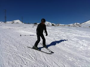Natalia esquiando