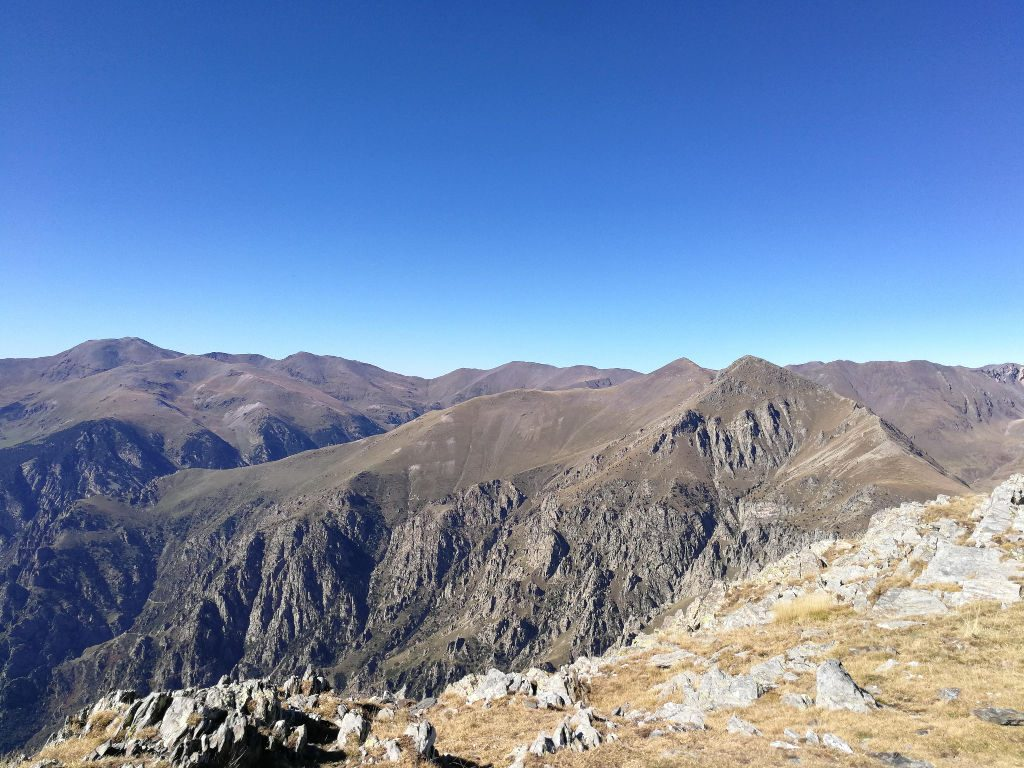 Balandrau - vista al Torreneules y Puigmal