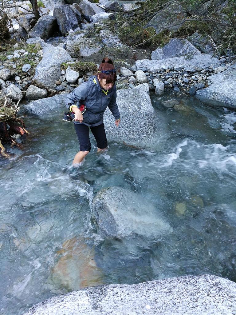 Cruzando el río Freser